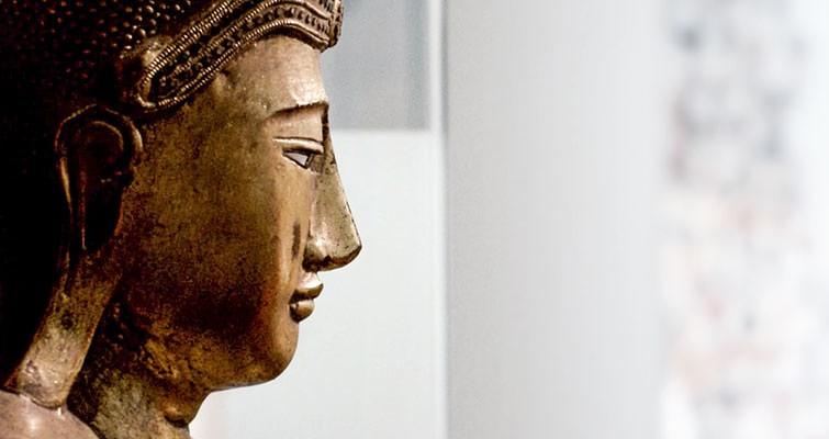 Unsere Budda-Statue wacht im Empfangsbereich. / Dr. Rüdiger Hansen, Zahnarzt München
